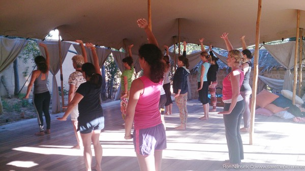 TheFeel ZenmaX energizing qigong intermezzo at Afkes magic Yoga retreat 2